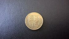2014 £1 COIN FEATURING THE ROYAL SHIELD OF ARMS IN GOOD CONDITION. COLLECTABLE.