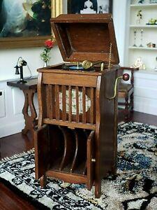 Dollhouse Mini Artisan Rae Backus Victrola Cabinet Record Player Signed 1:12