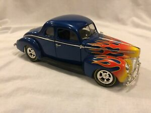 Ertl 1940 Ford Coupe Street Rod Blue & Flames American Muscle 1:18 Diecast
