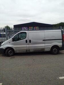 Vauxhal Vivaro 58 reg 2.0 Diesel 6 speed  for spares- Repair 1 wheel nut