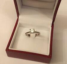Marchiato 18ct 18k oro bianco solitario anello di diamanti 85 punti 0,85 Carati SZE N