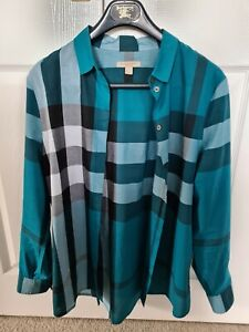 Womens Burberry Shirt Size M In Excellent Condition.