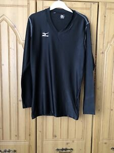 MIZUNO. SIZE MEDIUM. BLACK, STRETCH, V NECK, ACTIVE BASE LAYER TOP. EX COND