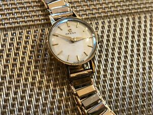 Solid 9ct Gold 375 Hallmarked Vintage Ladies Omega 60's Luxury Mechanical Watch