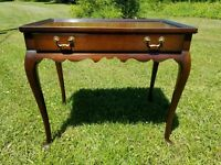 VINTAGE HENKEL HARRIS MAHOGANY ONE DRAWER TEA TABLE 2355cl