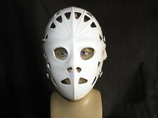 Hockey Goalie Mask dans White by mylac with Full Head Harness & Back Plate/vidéo
