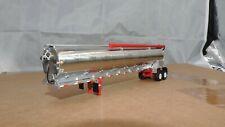 dcp Walinga red/chrome tandem axle bulk feed trailer 1/64