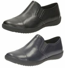 Clarks Lace-up No Pattern Standard (D) Flats for Women