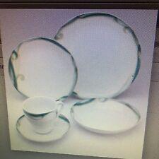 New Sasaki Periphery 20 pc Porcelain Dinnerware set