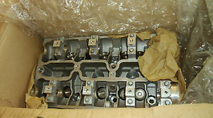 New Genuine OEM Saab 900 Cylinder Head 8822090 1994-1997