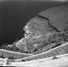 SANTORIN c.1950 - Les Escaliers à Fira Grèce - Négatif 6 x 6 - GRE 64