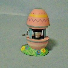 1993 Hallmark Merry Miniatures Easter/Spring Wishing Well