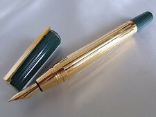 S.T. Dupont Saint Germain Fountain Pen M Nib Green Resin Cap