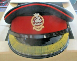 The Queen's Regiment officer's cap and Sam Brown in box