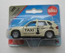 Siku 1491 BMW X5 Taxi Geländewagen Cart Center