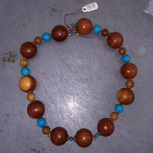 Wood and Turquoise Beads Necklace  木 绿松 石 项链
