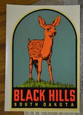 ORIGINAL VINTAGE TRAVEL DECAL BLACK HILLS SOUTH DAKOTA AUTO LUGGAGE OLD DEER RV