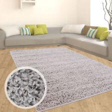 Tapis gris carrés pour le salon