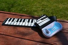 MukikiM Rock And Roll It - Piano Flexible, Completely Portable, 49 standard