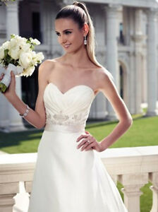 Casablanca Bridal Gown 2089  Brand New with Tags, Size 14