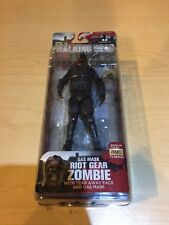 MCFARLANE-MCF-THE WALKING DEAD TV SERIES 4 RIOT GEAR GAS MASK ZOMBIE  ACC NEW