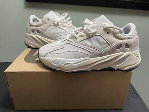 Adidas Yeezy Boost 700 Analog Men's Size 9 EG7596 🚨