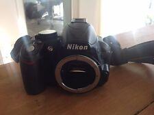 Nikon D3100 14.2MP Digitalkamera Body - Schwarz sehr gepflegt - top!