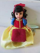 "MADAME ALEXANDER 1995 ""SNOW WHITE"" 7 1/2 INCH DOLL STYLE #13800"