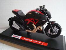 Ducati Diavel Carbon 2012 Maisto 1:18