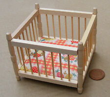 1:12 Scale Natural Finish Play Pen & Mattress Dolls House Miniature Accessory 38
