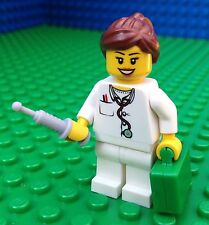 Lego City Town FEMALE DOCTOR Medical Bag Needle Syringe Minifigure Minifig