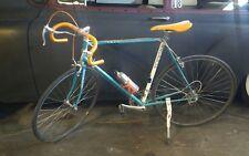 Schwinn Chicago USA 1980's Tempo Road bike 10 speed collectible.