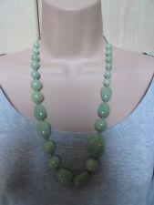 Lola Rose Pálido Verde Lima Gruesa Collar de Abalorios de semi piedras preciosas y Bolsa Nuevo