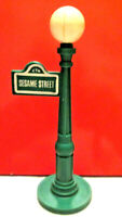 Fisher Price Little People CTW Sesame Street Lamp Post & Sign, Green Plastic 938