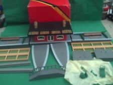 HORNBY R.003 TOWN STATION WITH PLATFORM,STEPS,AND CANOPIES NEW COMPLETE IN BOX