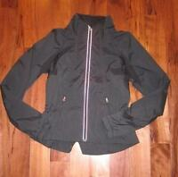LULULEMON TRAVEL TO TRACK JACKET  BLACK SIZE 4 ZIP UP water repellant reflective