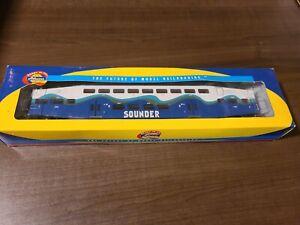 Athearn 2543 Sounder Bombardier Control Car #102 HO Scale Train (A54)