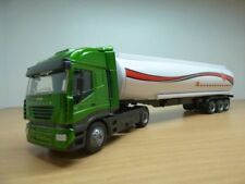 Camion IVECO STRALIS vert CITERNE produits inflammables 1/43