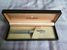 Vintage Lady Sheaffer Fountain Pen with gift box in Very Good Used Condition