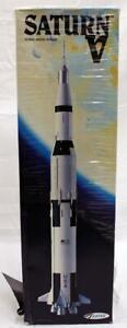 Estes #2001 Flying Model Rocket Saturn V! New In Package, No Reserve!