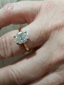 LADIES BOXED 18CT GOLD 2.25CTS OVAL DIAMOND SOLITAIRE RING SIZE N