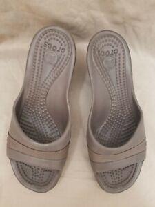 Crocs Women's Sassari Brown Open Toe Wedge Heel Slip On Sandals Size 9