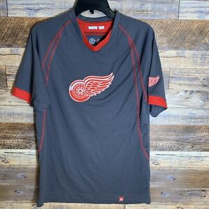 NHL Officially Licensed Detroit Red Wings Majestic Stretch Workout Shirt