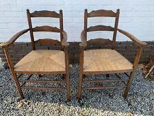 Deux chaises  fauteuil en bois