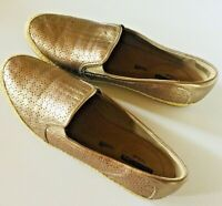 Clarks Women's Gold Leather Flats size 9.5
