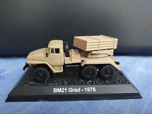 Amercom lance-roquettes multiple BM-21 Grad 1976 1/72 sur socle TBE
