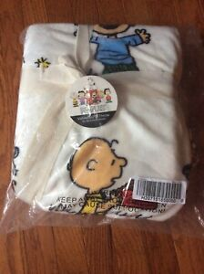 NEW Peanuts Berkshire Blanket Velvet Soft Throw 55x70 Snoopy Charlie Brown Lucy