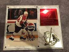 Eric Lindros Flyers Signed Photo In Plaque With COA