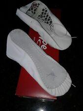 Child Girls Capezio Daisy Ballet Dance Shoes Size 13M (White)