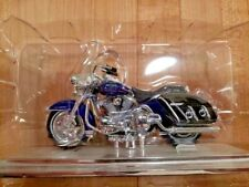 2000 FLHRC ROAD KING CLASSIC HARLEY DAVIDSON 1 18TH SCALE DIECAST BIKE